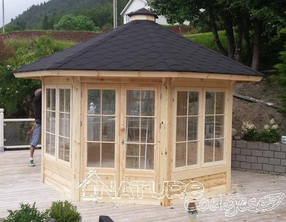 kiosques nature lodges. Black Bedroom Furniture Sets. Home Design Ideas